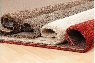 7 sfaturi de la profesionisti pentru curatarea petelor de pe covor.
